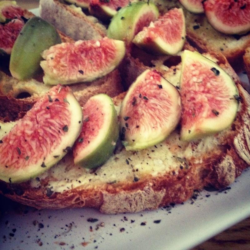 72 Smalldive Slow Living Quick Meal Figs Crostinis