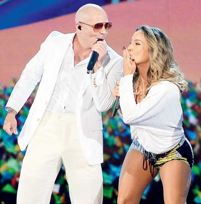 World Cup Pitt Bull and Jlo