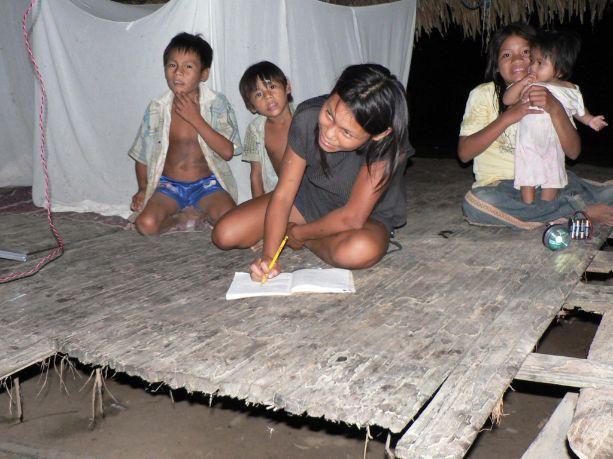 Peru_Children_Doing_Homework.2014-07-17-22-16-20